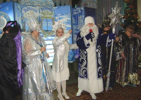 Більше сотні новорічних вистав провели педагоги Палацу дітей та юнацтва