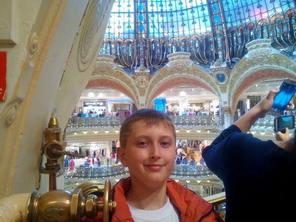 Артем Малоок отримав свою нагороду в Парижі