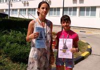Сестри Руссєви привезли шахові нагороди з Болгарії